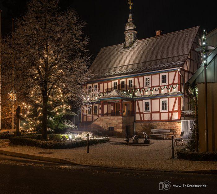 Rathaus ind Sailauf Dezember 2019