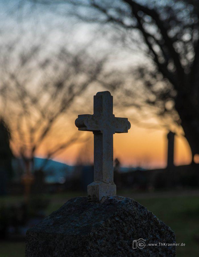 Grabstein, Kreuz, Friedhof, Sailauf